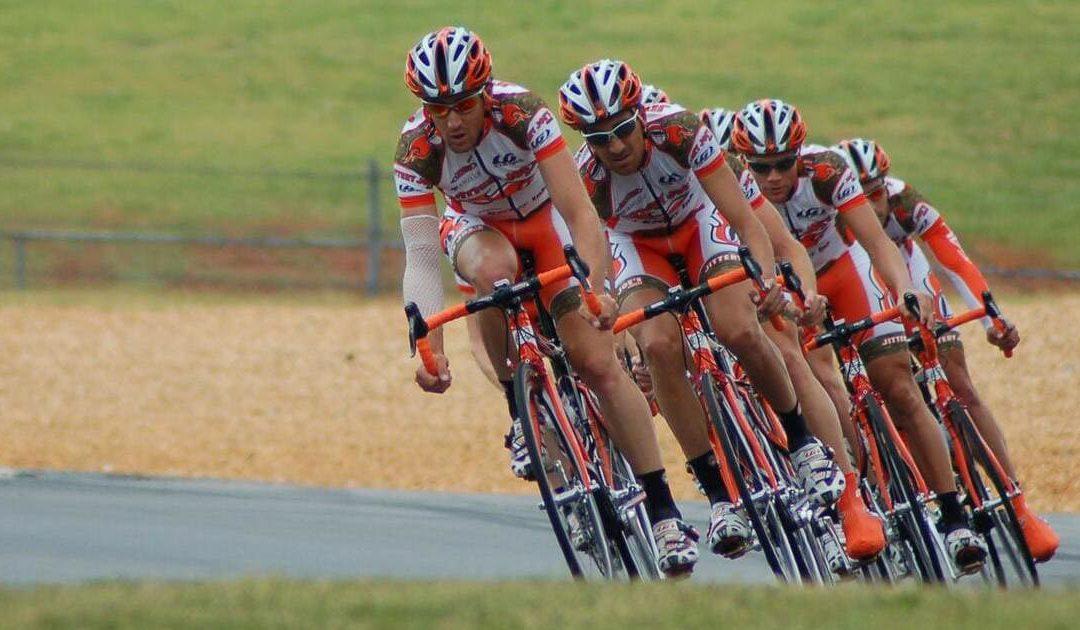 Costruire un team in 4 step. Le quattro fasi critiche che fanno la differenza tra un gruppo di persone e una squadra