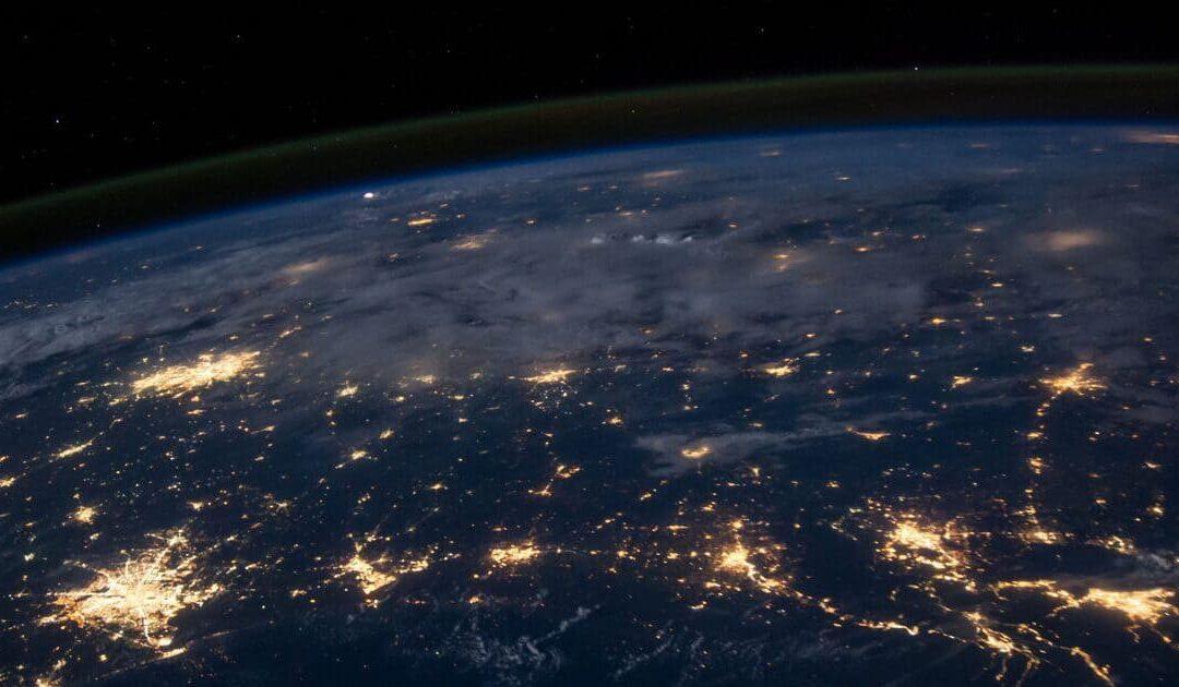 Prendere decisioni al tempo del Covid-19 Perché è impossibile convincere un terrapiattista che la terra è sferica