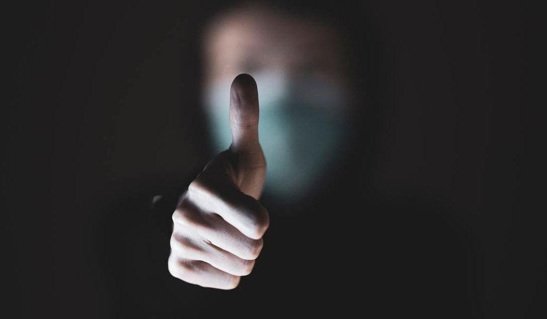 La regola del pollice per prendere decisioni migliori: quanto contano i fattori non razionali nelle nostre scelte?