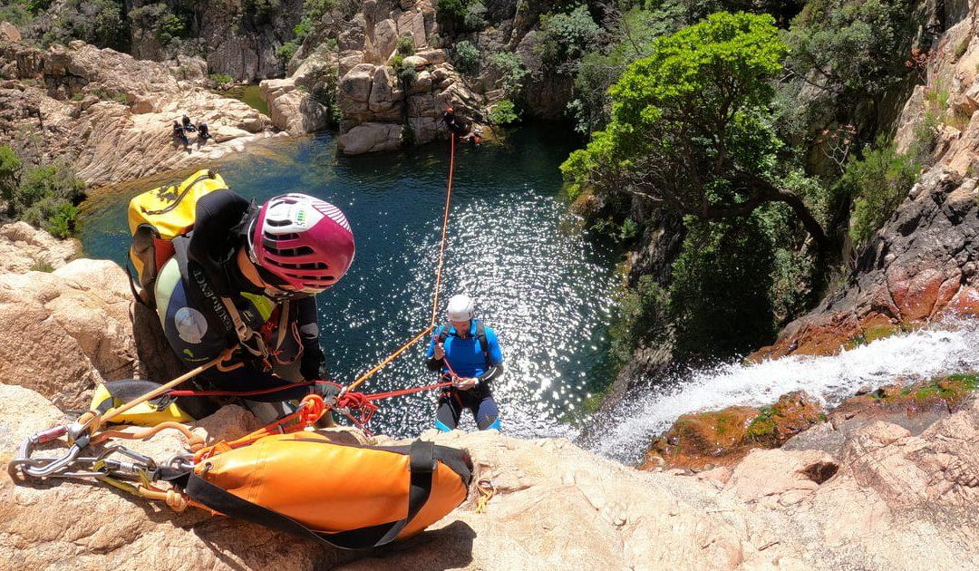 Il canyoning come strumento di formazione: metafore efficaci per la formazione esperienziale